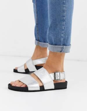 ASOS DESIGN - Leren metallic sandalen in zilver
